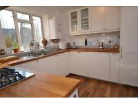 3 bedroom flat in Garden House, The Grange, East Finchley, London, N2