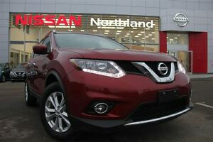 2016 Nissan Rogue SV Sunroof/ Backup Camera/ All wheel drive