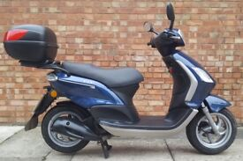 Piaggio fly 125 (61 REG), Good condition, Only 3500 miles!