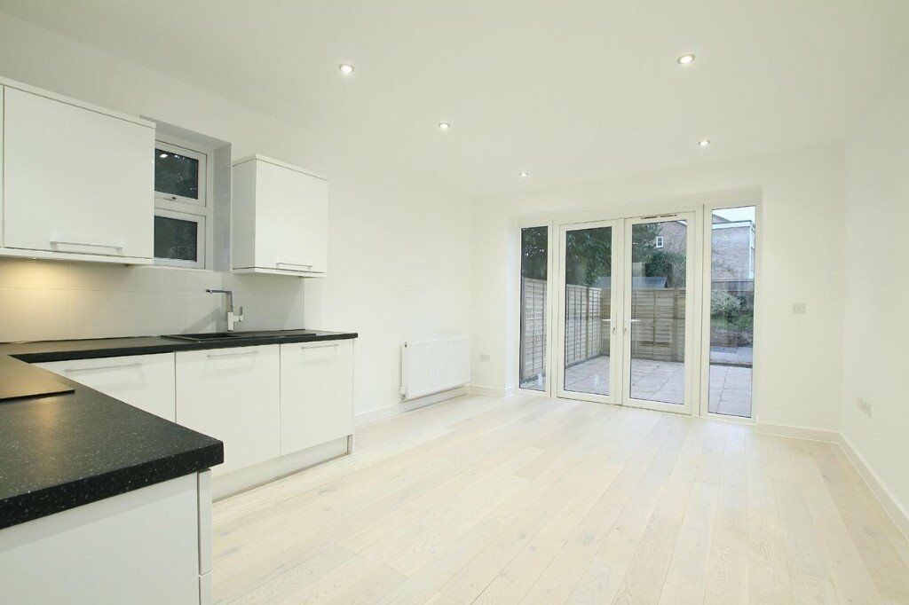 2 Bedroom ground floor luxury apartment to rent close to W Station and town  centre  private garden   in Canterbury, Kent   Gumtree