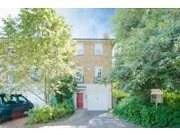 4 bedroom house in Merrivale Square, Jericho, Oxford
