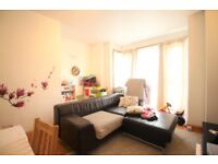 *PERFECT FOR THE SUMMER* TWO BEDROOM GARDEN FLAT *HACKNEY* *AVAILABLE NOW!!