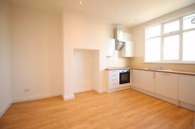 **Newly refurbished 4 bedroom MODERN flat in Palmers Green available NOW!**