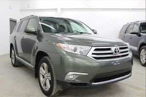 2012 Toyota Highlander V6  - Leather, Sunroof, AWD