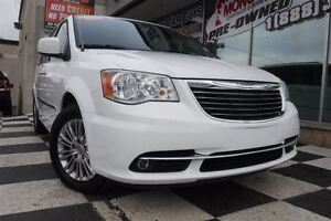 2016 Chrysler Town & Country Touring-L | DVD Player | Heated sea