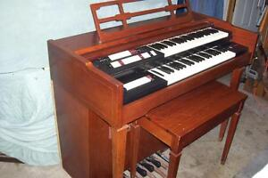 1950S LOWREY DOUBLE KEYBOARD ELECTRIC  ORGAN TUBE TYPE