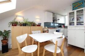 2 bedroom flat in Brownlow Road, Finchley, N3