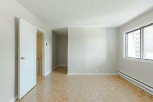 4 1/2 with 2 bathrooms BRIGHT & SPACIOUS in West Island West Island Greater Montréal image 7