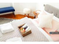 1 bedroom flat in Lochrin Terrace, Edinburgh, EH3 (1 bed)