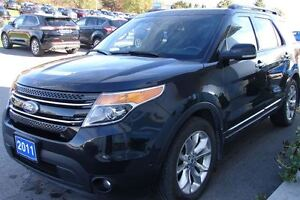 2011 Ford Explorer Limited V6 even has dvd head rests . Peterborough Peterborough Area image 2