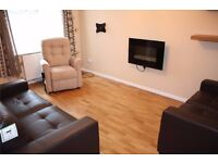 AMAZING 2 BED HOUSE IN PRIME LOCATION - RECENTLY REFURBISHED AND WELL PRESENTED