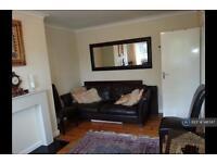 2 bedroom flat in Bridge Road, London, NW10 (2 bed)