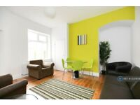 6 bedroom house in Falmouth Road, Newcastle Upon Tyne, NE6 (6 bed) (#1230659)