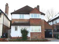 5 bedroom house in Ashenden Road, Guildford, GU2 (5 bed) (#1027085)