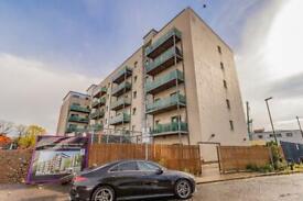 2 bedroom flat in Bellvue Court, 141-149, Staines Road, TW3