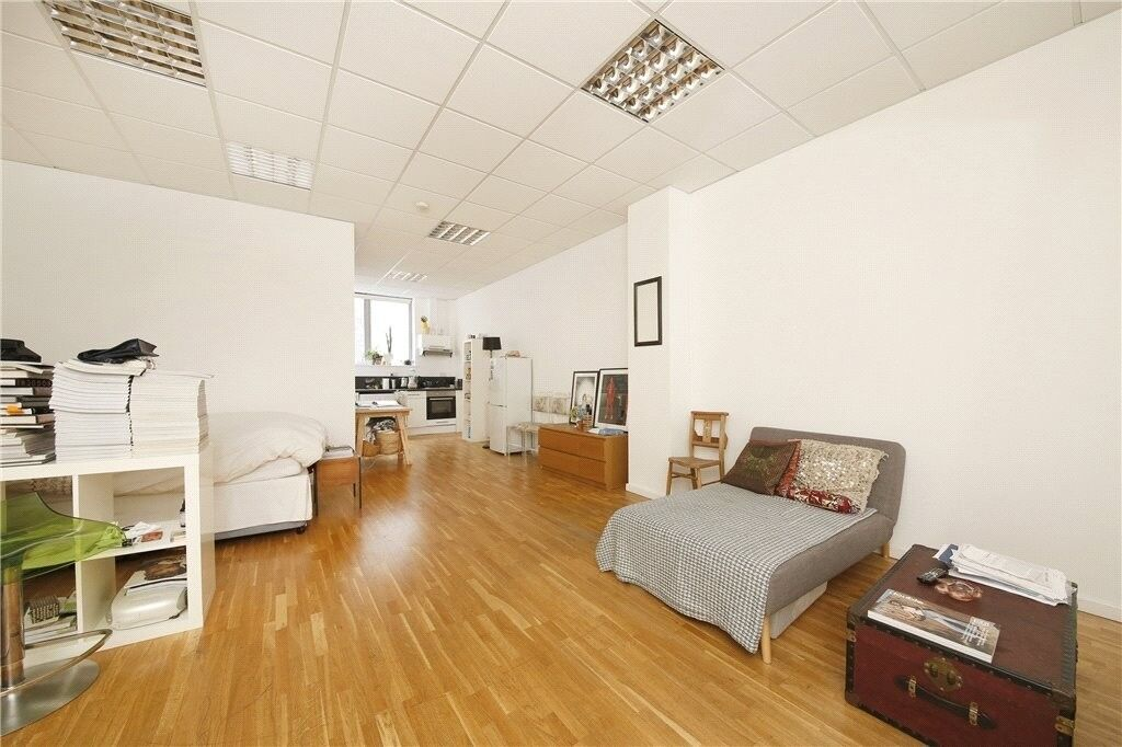 Stunning large studio apartment located in a warehouse CONVERSION wood flooring and high ceilings