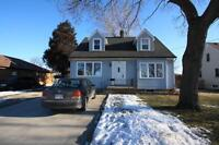 3 bedroom house in the desired Point Edward @ 519S