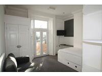 1 bedroom in Railway Approach, Wallington, Wallington, Surrey, SM6
