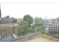 2 bedroom flat in St. Quintin Avenue, London, W10 (2 bed)