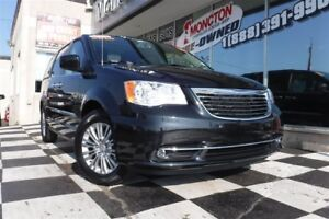2016 Chrysler Town & Country Touring-L | Blueray | Sunroof | Hea