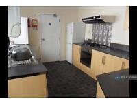 6 bedroom house in Bryn-Y-Mor Road, Swansea, SA1 (6 bed)