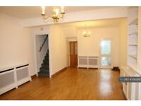 3 bedroom house in Glasgow Road, Plaistow, E13 (3 bed) (#1003950)