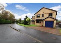 Large 4 bedroom (all double) detached property in a quiet setting with stunning views.