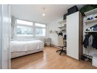 **EXTRA LARGE quite room.3 min tube.Quite, clean apartment**