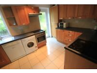 6 BEDROOM STUDENT HOUSE TO RENT IN THE AVENUE