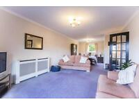 3 bedroom flat in Orchard Toll, Edinburgh,