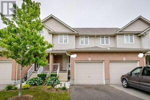 3-bedroom townhome w/finished basement in South Guelph, Aug 1st