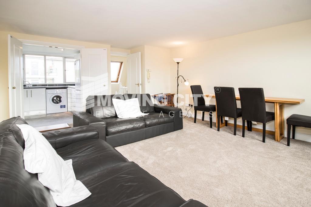 2 bedroom house in Greyhound Road, West Kensington
