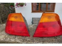 BMW E46 REAR LIGHT CLUSTERS BOTH SIDES AND INDICATOR LIGHT £30 THE LOT