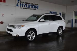 2014 Mitsubishi Outlander GT   Sunroof   Leather Upholstery