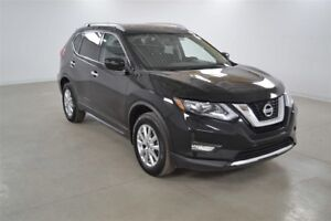 2017 Nissan Rogue SV 4WD Toit Pano.*Mags*Bluetooth*Camera Recul