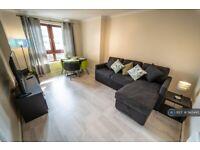 1 bedroom flat in Minerva Court, Glasgow , G3 (1 bed) (#943445)