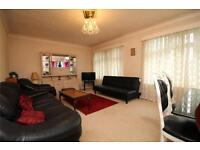 2 bedroom flat in Baron Court, 63 Warwick Road, Barnet, Hertfordshire, EN5
