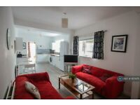 5 bedroom house in Jessie Road, Southsea, PO4 (5 bed) (#957475)
