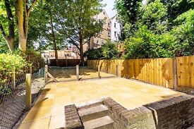 LARGE 3 BED FLAT