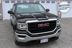 2017 GMC Sierra 1500 4X4!  BACK UP CAM! TOW PACKAGE!