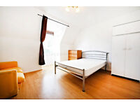 Split level 4 bedroom flat just few minutes away from Clapham North tube.