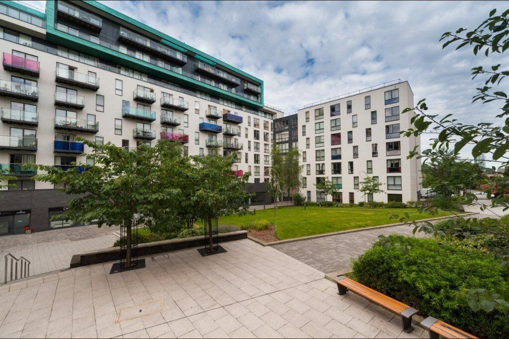 FULLY FURNISHED 2 BED 2 BATH APARTMENT IN SE13 LEWISHAM MOMENTS FROM STATION!