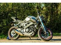**Reduced** YAMAHA MT125 non abs model 2014 **akrapovic, rad guard, tail tidy, rim tape**