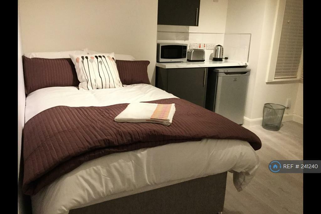 1 bedroom in West Hendon Broadway, London, NW9