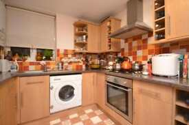 2 bedroom flat in Valette Court, St. James Lane, Muswell Hill, N10