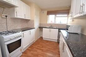 2 bedroom flat in Amberden Avenue, Finchley, N3