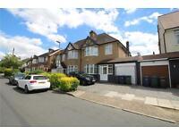 4 bedroom house in Ashurst Road, Barnet, EN4