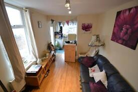 2 bedroom flat in Tewkesbury Street, Cardiff,