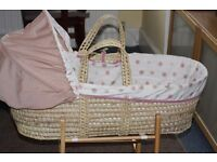 Moses basket (2 sheets, mattress included)