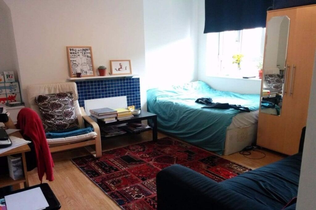 Mins from Dalston Kingsland-2 Pads With Balcony